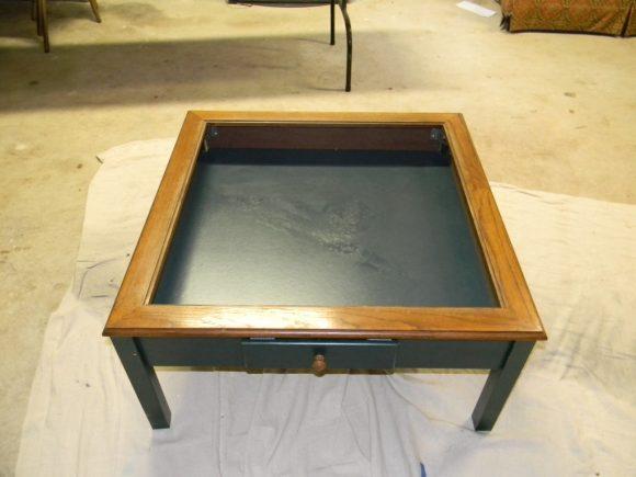 Столик из старого аквариума