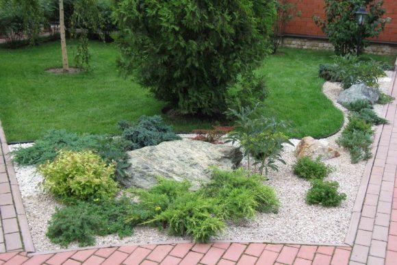 Оформление садовой дорожки рокарием