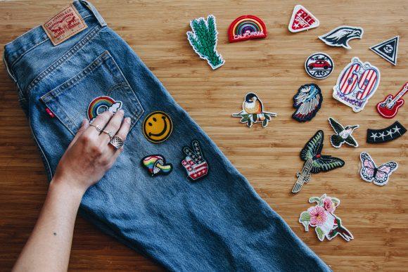 Заплатки-термонаклейки на джинсах