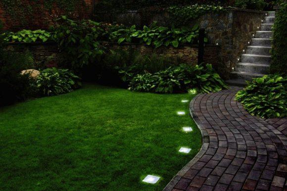 Освещение садовой дорожки солнечными элементами