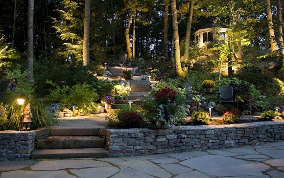 Подсветка в саду пейзажного дизайна