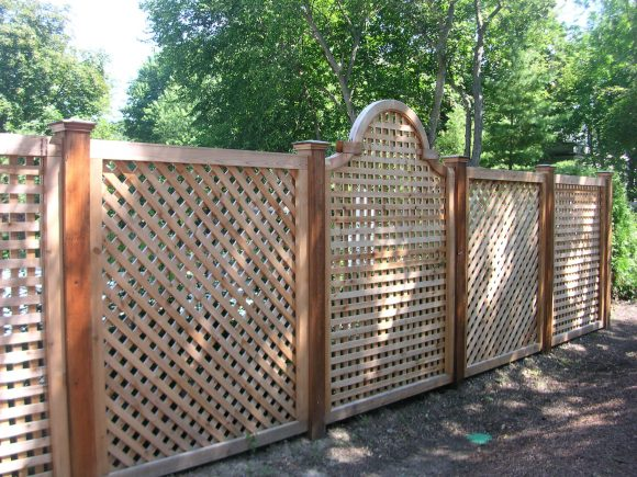 Деревянный забор-решётка