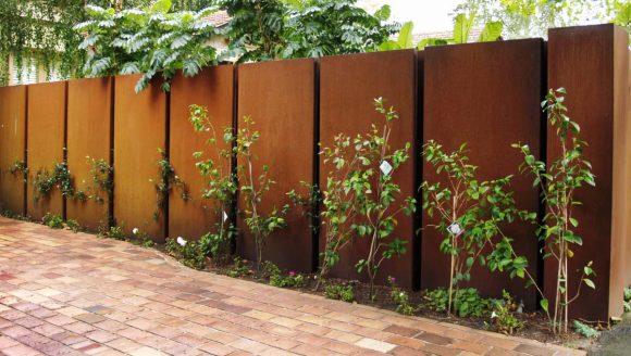 Забор из металлического листа