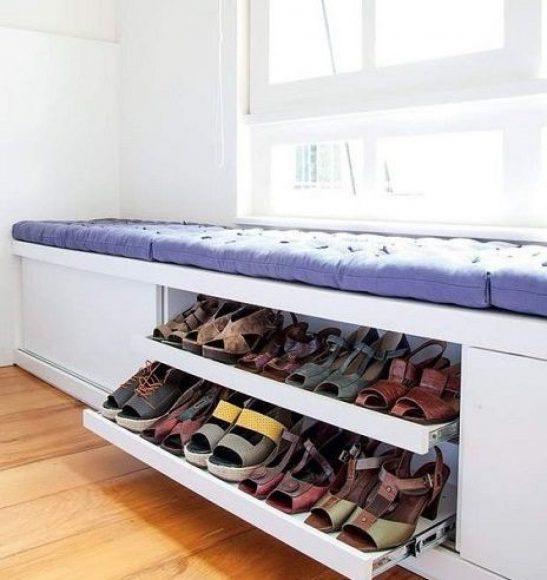 Кушетка с полками для обуви