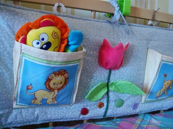 Органайзер внутри детской кроватки