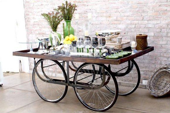 Столик на велосипедных колёсах