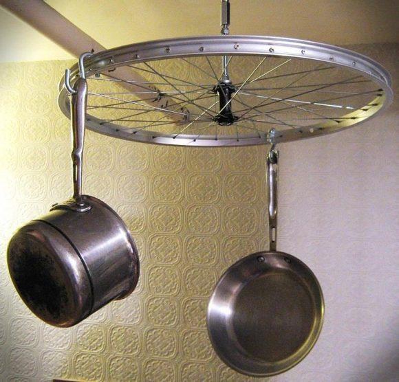Подвес для посуды из велосипедного колеса