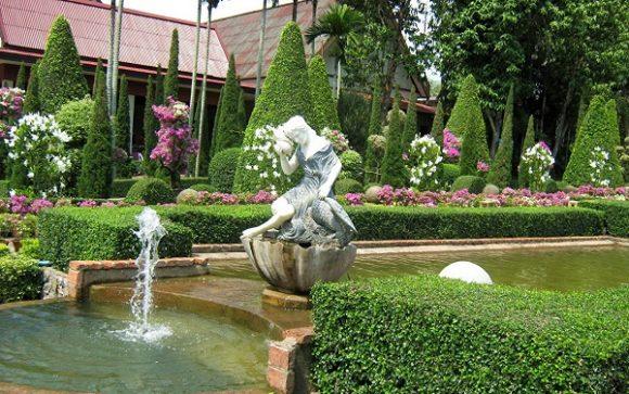 Скульптура на искусственном водоёме