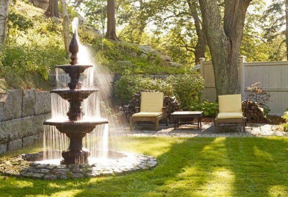Зона отдыха у фонтана