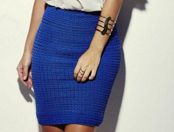 Синяя вязаная юбка