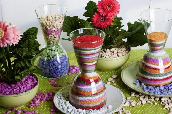 Цветной песок в вазе