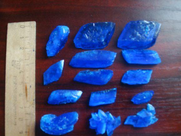 Кристаллы, выращенные из медного купороса