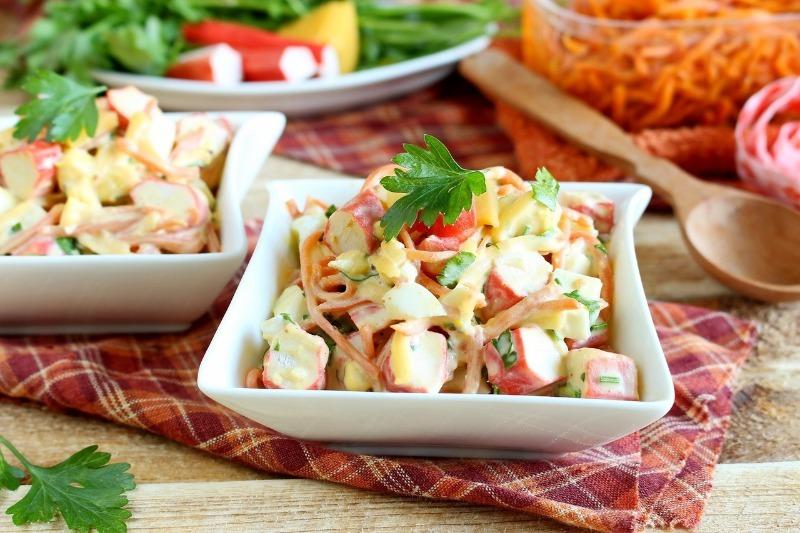 5 новых салатов с крабовыми палочками, которые вы, скорее всего, еще не пробовали