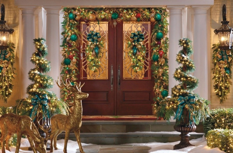 Куда, кроме елки, можно повесить гирлянду для украшения дома