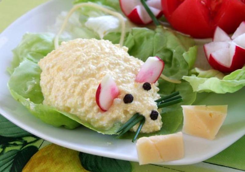 5 закусок в виде мыши, которые обязательно нужно поставить на новогодний стол