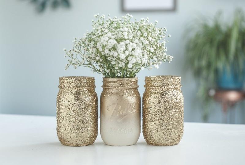 3 удивительно красивые и простые вазы, которые можно сделать почти даром